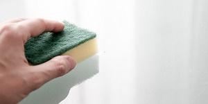 sponge paint a wall