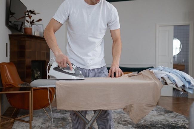 how to remove paint thinner smell from clothes